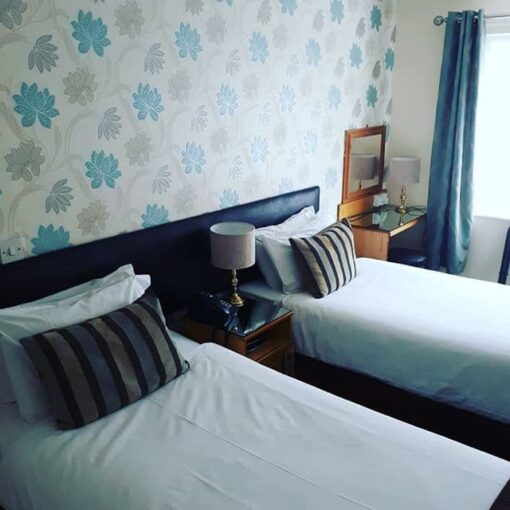 An image of the twin room at dobbins inn