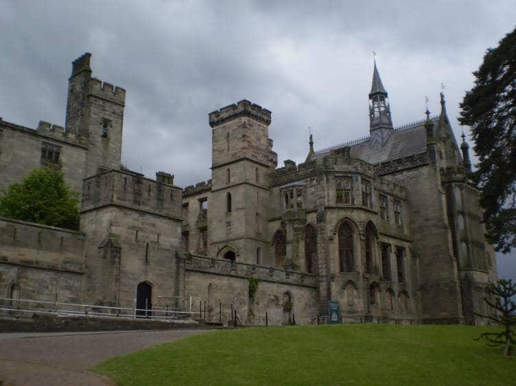 Alton-Towers-Exterior