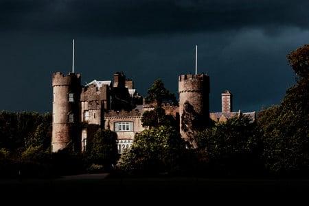 malahide castle dark sky