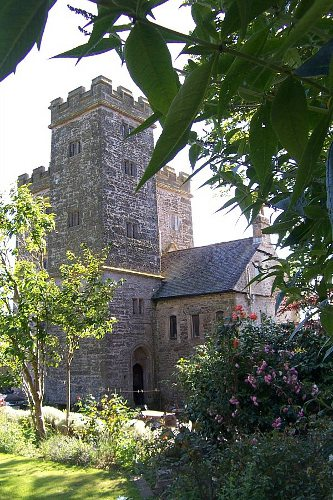 pengersick castle cornwall
