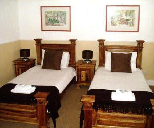 schooner hotel bedroom 2
