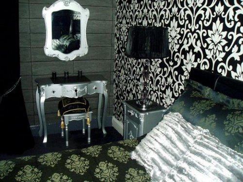 schooner hotel decor