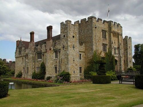 hever-castle-exterior